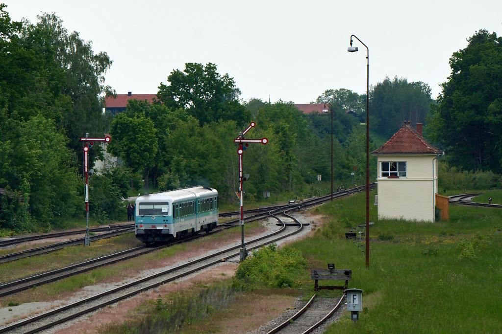http://bahn.es85.de/25JahreLiniensternMuehldorf/628486_GarchingAlz-2.jpg