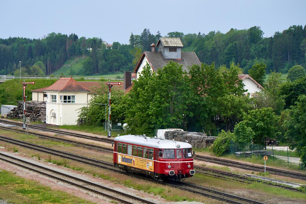 http://bahn.es85.de/25JahreLiniensternMuehldorf/CLB_VT26_GarchingAlz-2.jpg