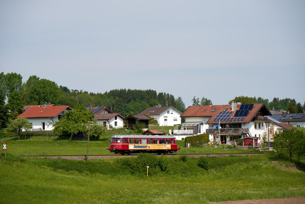 http://bahn.es85.de/25JahreLiniensternMuehldorf/CLB_VT26_Hoerpolding-2.jpg